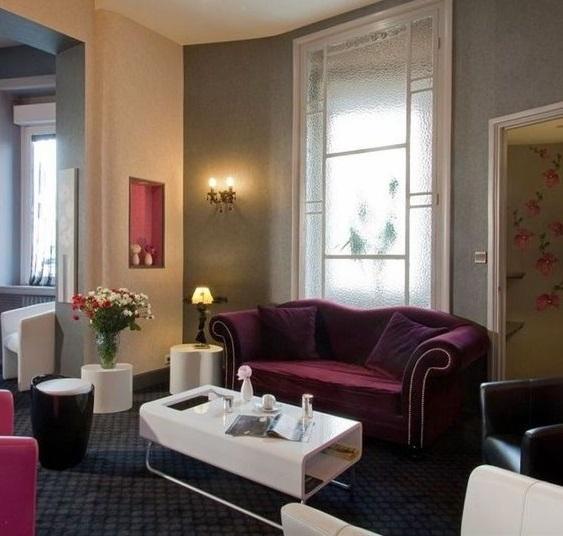 week end romantique spa les n riades. Black Bedroom Furniture Sets. Home Design Ideas